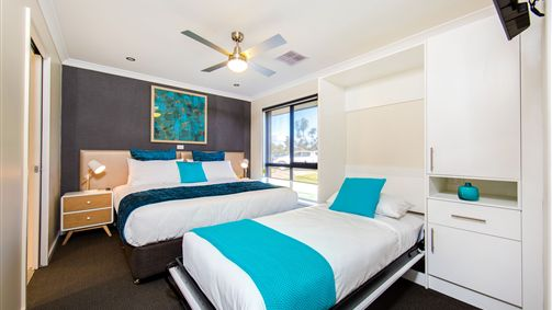 Howlong Country Golf Club  Motel - Stayed