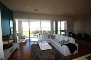 LJ Hooker Goolwa Holiday Rentals - 42 Underwood Avenue Goolwa Beach - Stayed