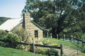 Adelaide Hills Country Cottages - Gum Tree Cottage - Stayed