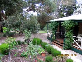 Barossa Country Cottages - Stayed