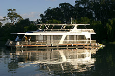 Whitewater Houseboat - Stayed