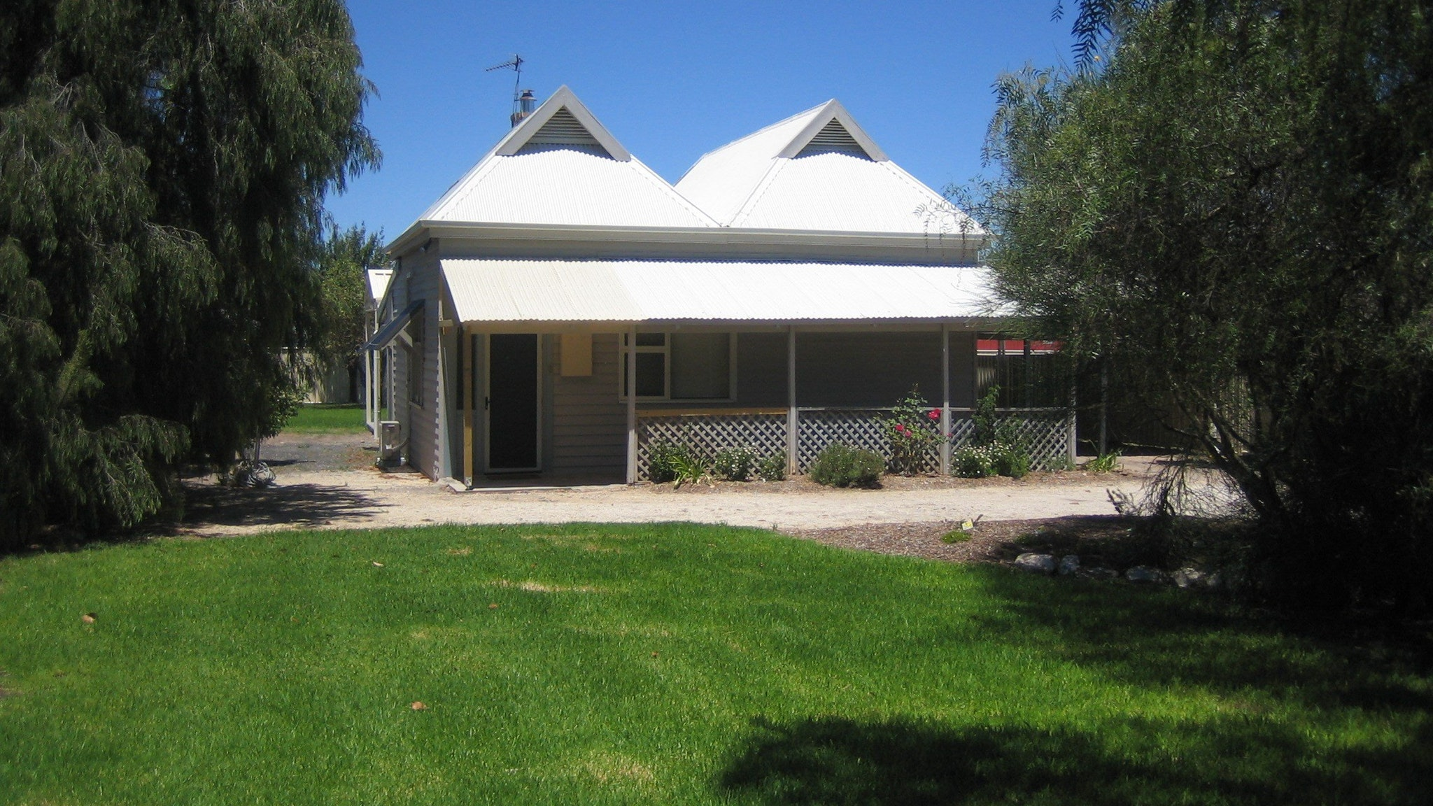 Naracoorte  Showgrounds Cottage - Stayed