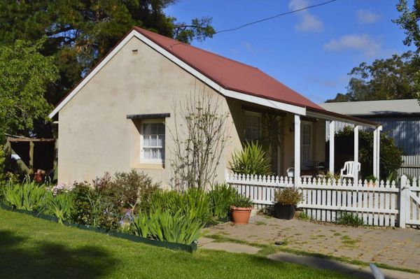 Almond Tree Cottage - Stayed