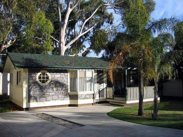 Highway 1 Caravan  Tourist Park - Stayed