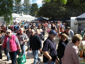 Stansbury Seaside Markets - Stayed