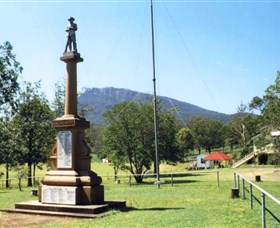 Maroon State School War Memorial - Stayed