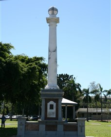 World War I Memorial Cenotaph and Jubilee Park - Stayed