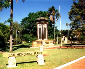 Esk War Memorial and Esk Memorial Park - Stayed