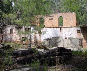Newnes Shale Oil Ruins - Stayed