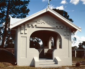 Stanthorpe Soldiers Memorial - Stayed