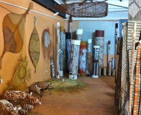 Maningrida Arts and Culture - Stayed