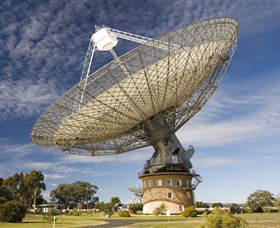 CSIRO Parkes Radio Telescope - Stayed