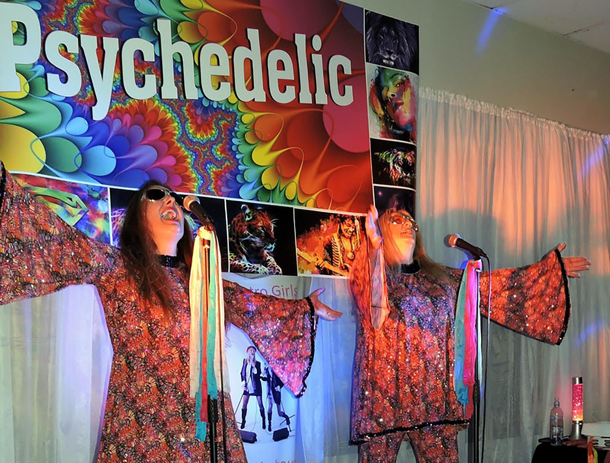 Psychedelic 70s Show The Retro Girls - Stayed