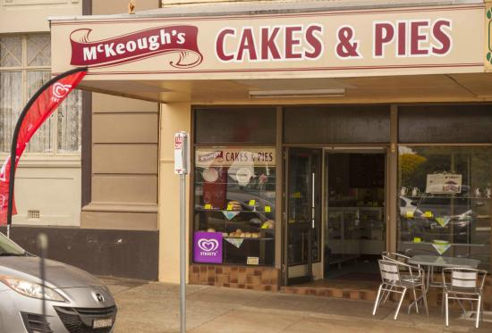 McKeoughs Cake Shop - Stayed