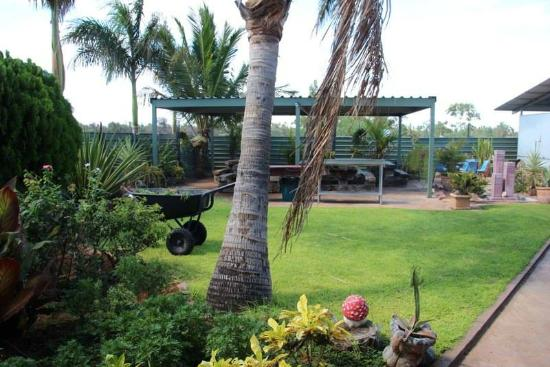 Devils Marbles Hotel - Stayed