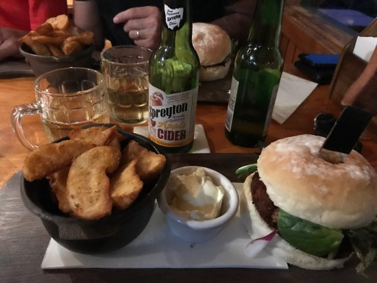 Peppers Cradle Mountain Lodge Tavern Bar  Bistro - Stayed