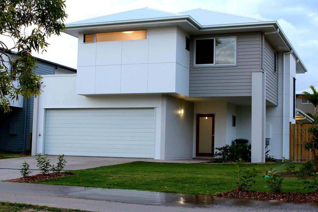 Petrie Beach Holiday Home Mackay