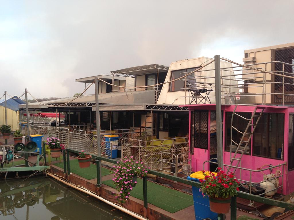 Corroboree Houseboats - Stayed